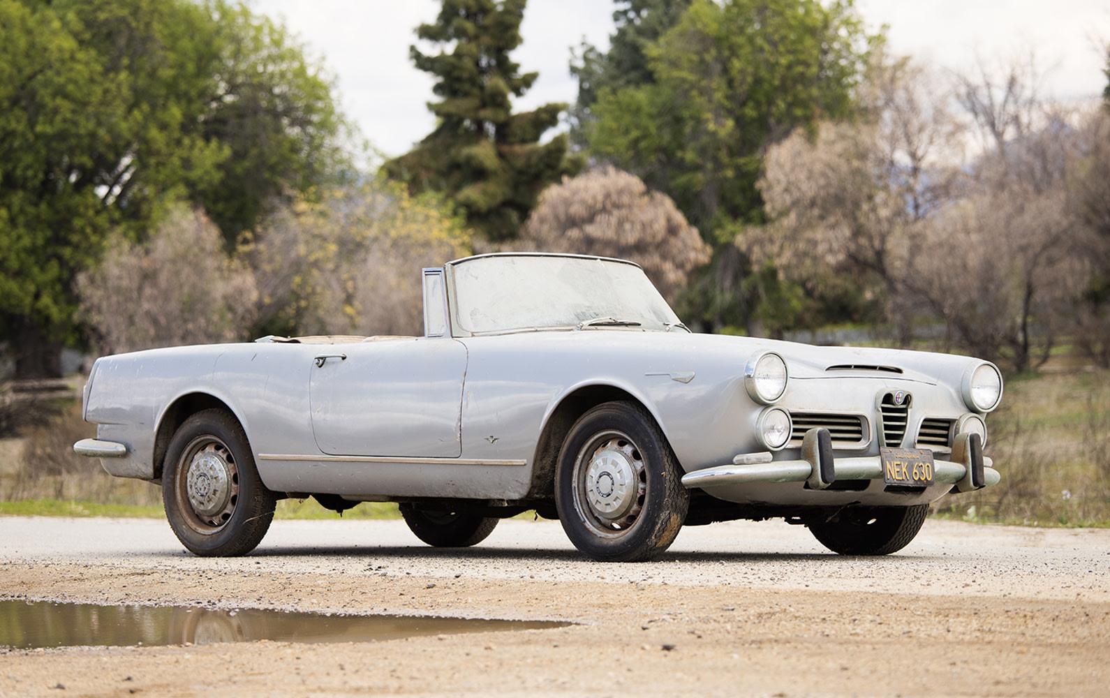 Prod/O21F - May 2021/1469_1965 Alfa Romeo 2600 Spider/1965_Alpha_Romeo_2600_Spider_0001_yimm5p