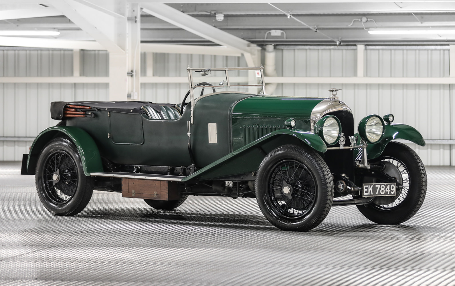 Prod/O21B - UK 2021/1930 Bentley 4 1-2 Litre Sports Tourer/Bentley_4_1.2_VDP-02_smqqku