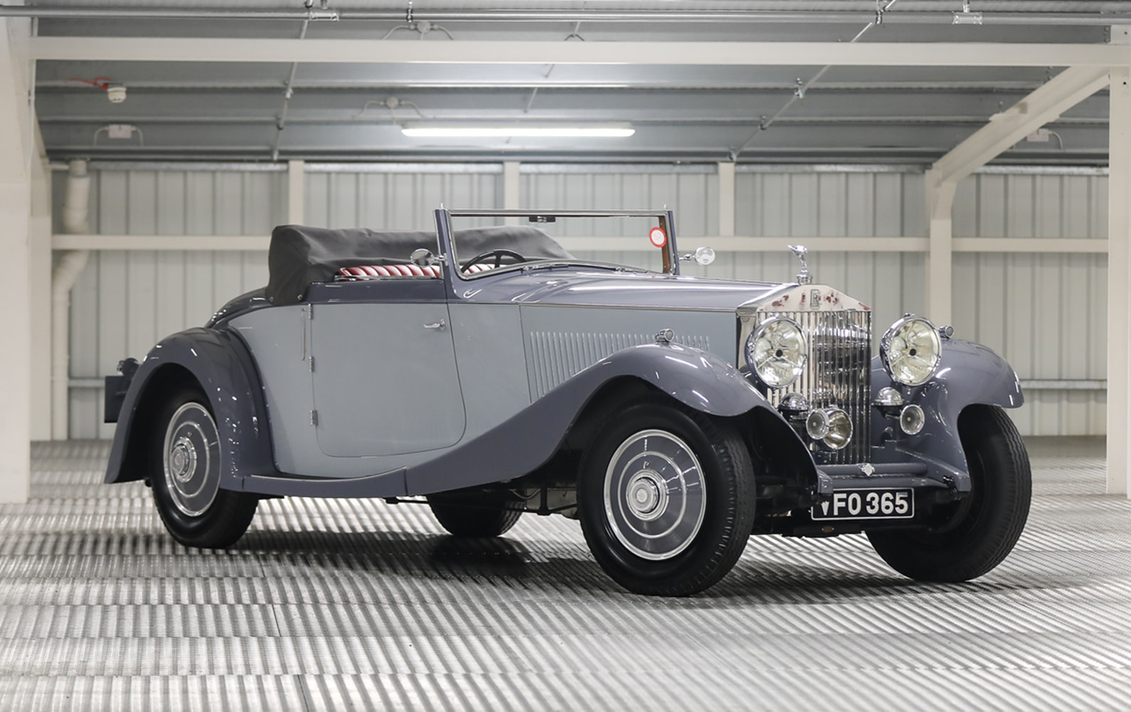 Prod/O21B - UK 2021/1934 Rolls-Royce Phantom II Continental Drophead Coupe/Hero/1934_Rolls_Royce_Phantom_II_Continental_Drophead_Coupe_3_myxd9j