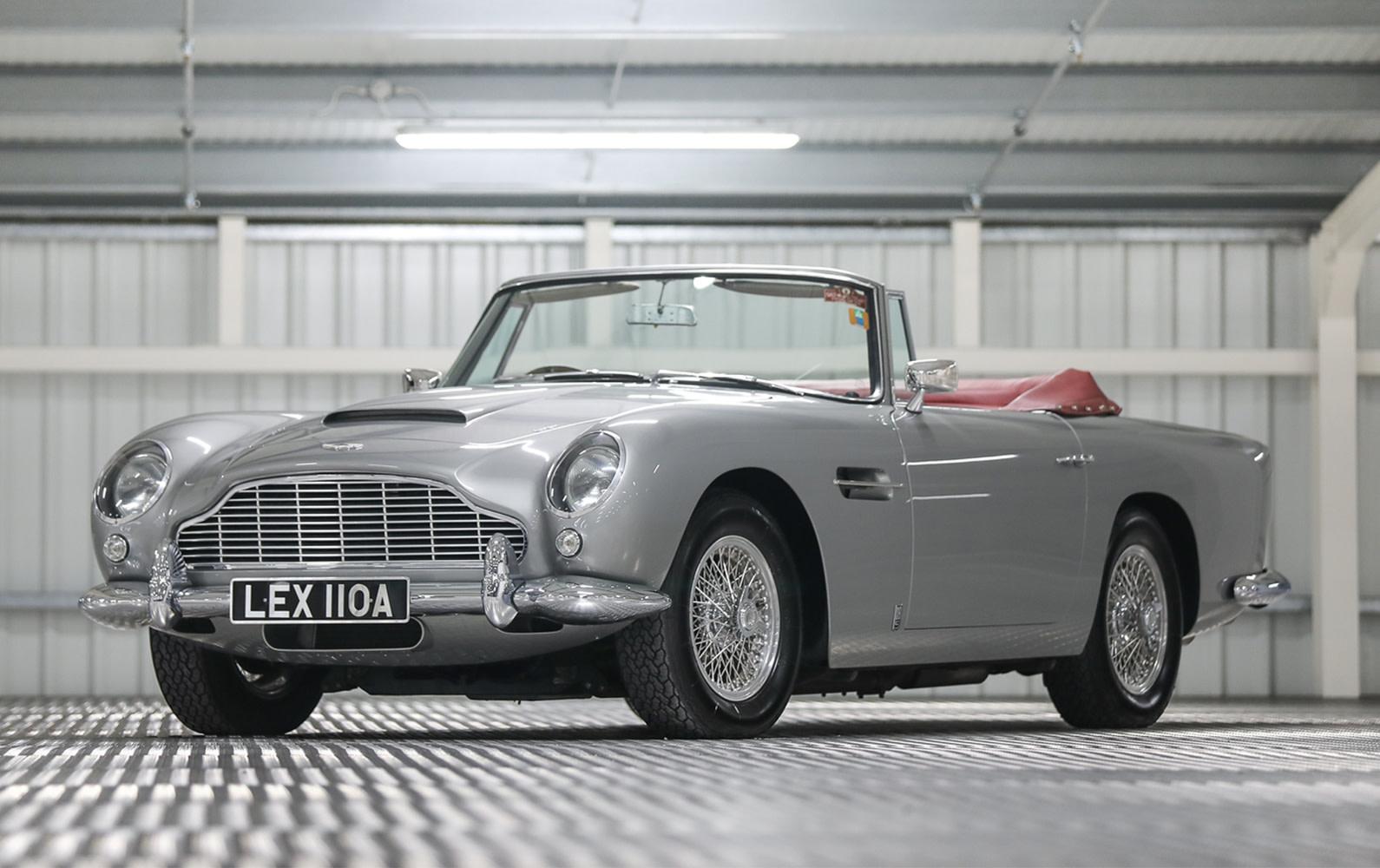 Prod/O21B - UK 2021/1963 Aston Martin DB5 Convertible/Aston_Martin_DB5_Convertible-02_akdary