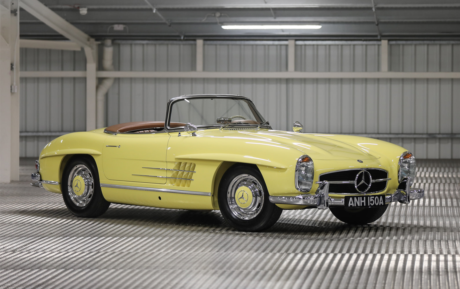 Prod/O21B - UK 2021/1963 Mercedes 300 SL Roadster/Hero/Mercedes_300_SL_Roadster-01_bt1xkb