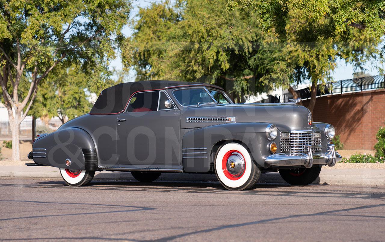 1941 Cadillac Series 62 Convertible Coupe-5