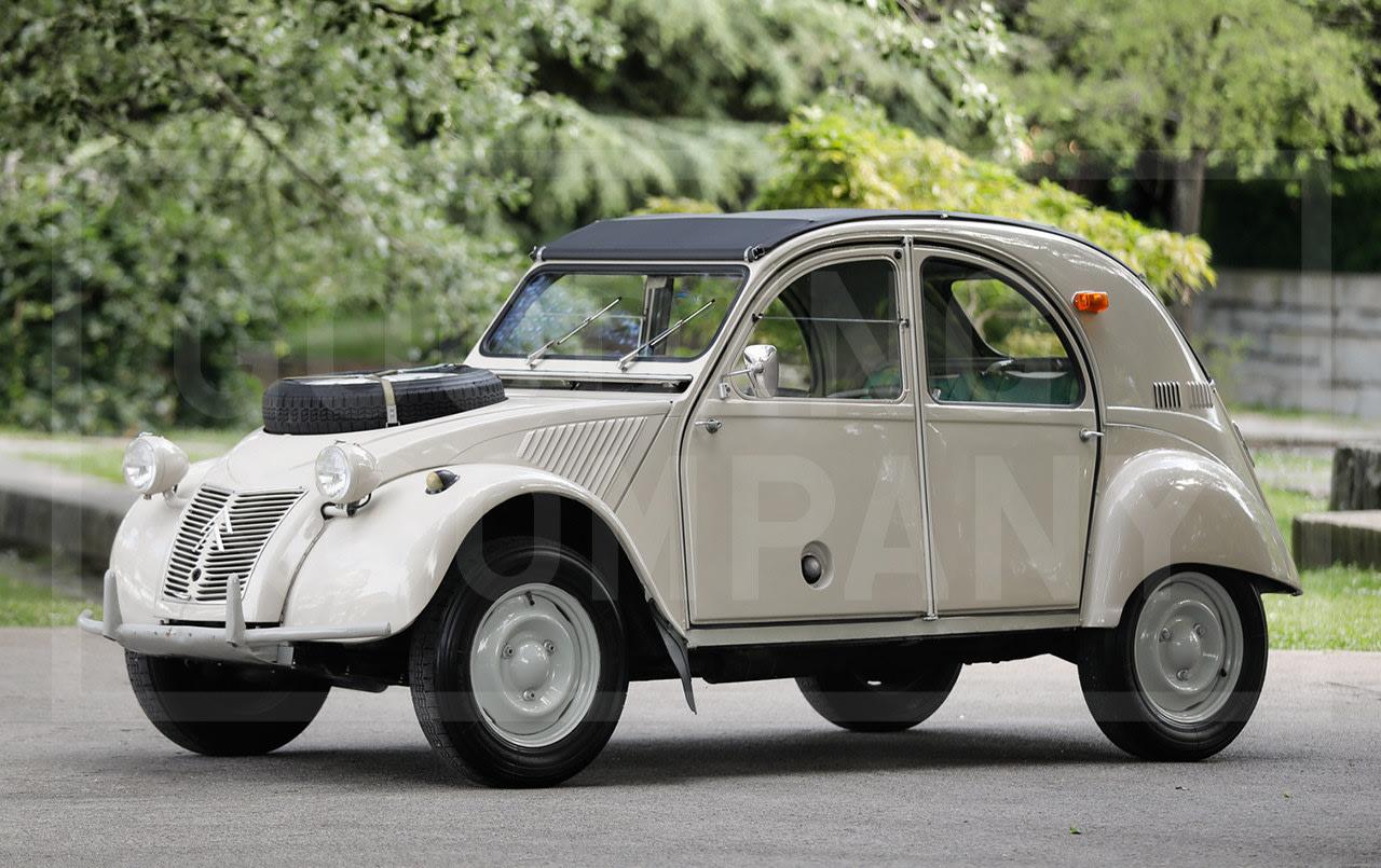 Prod/Portal/1964 Citroën 2CV Sahara 4x4/1964-Citroen-2CV-Sahara-4x4-18
