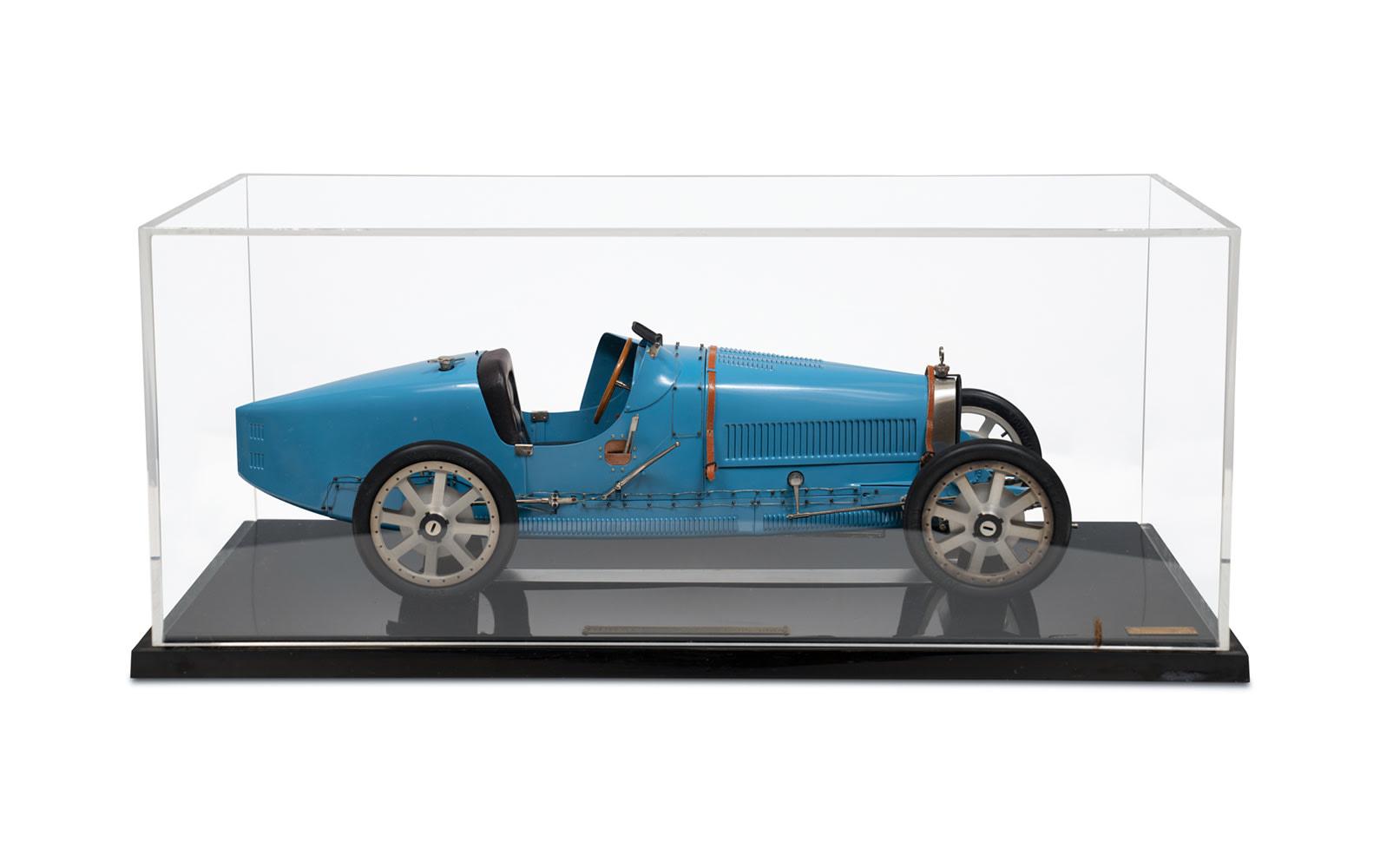 1924 Bugatti Type 35 Grand Prix Model by Art Collection Auto