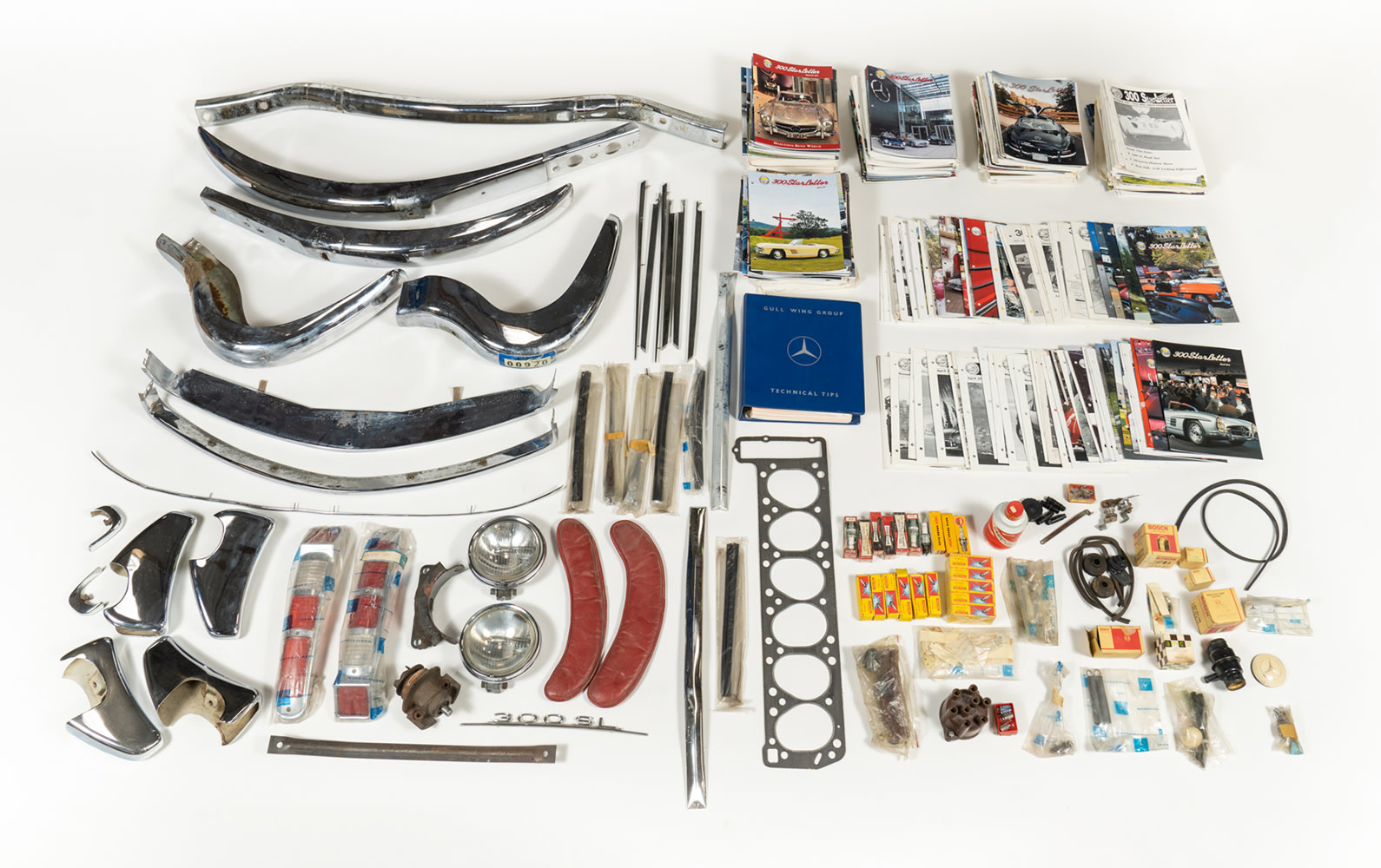 Collection of Mercedes-Benz 300 SL Parts