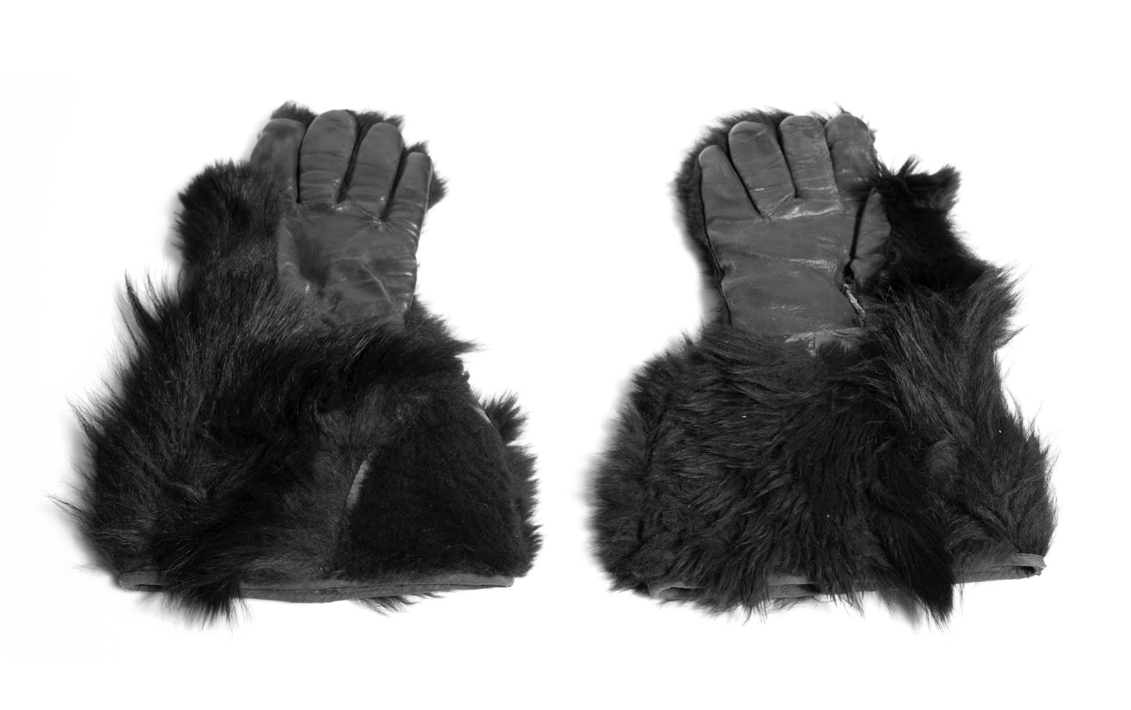 One Pair of Bear Skin Driving Gloves
