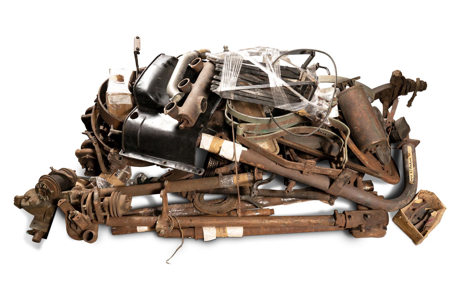 Prod/O21E - Phil Hill C 2021/C0143_Assorted Vintage Vehicle Components/C0143_Vintage_Vehicle_Components_11_tzdehp
