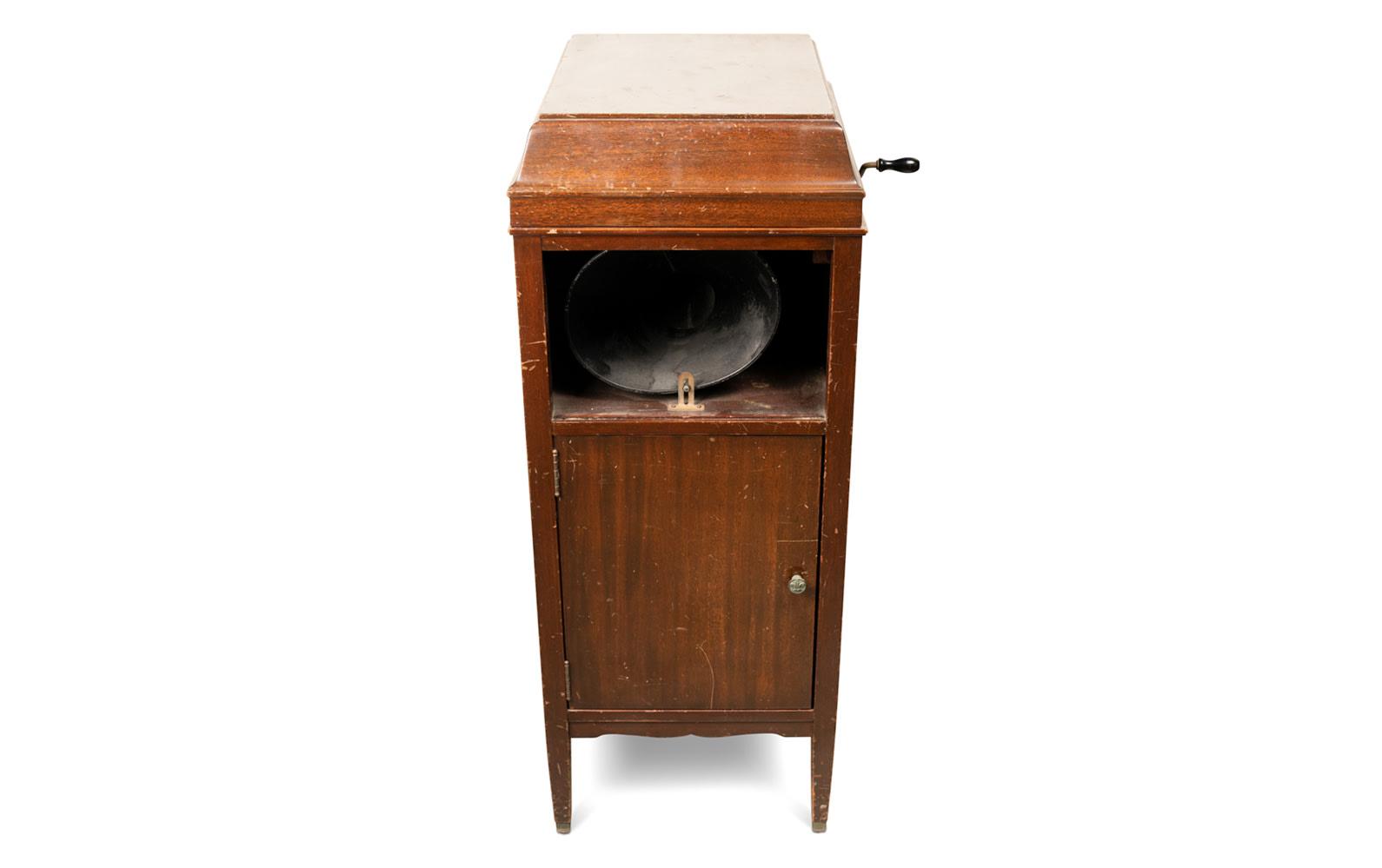 Prod/O21E - Phil Hill C 2021/C0168_Edison Amberola Phonograph/C0168_Edison_Amberola_Phonograph_1_jov71p