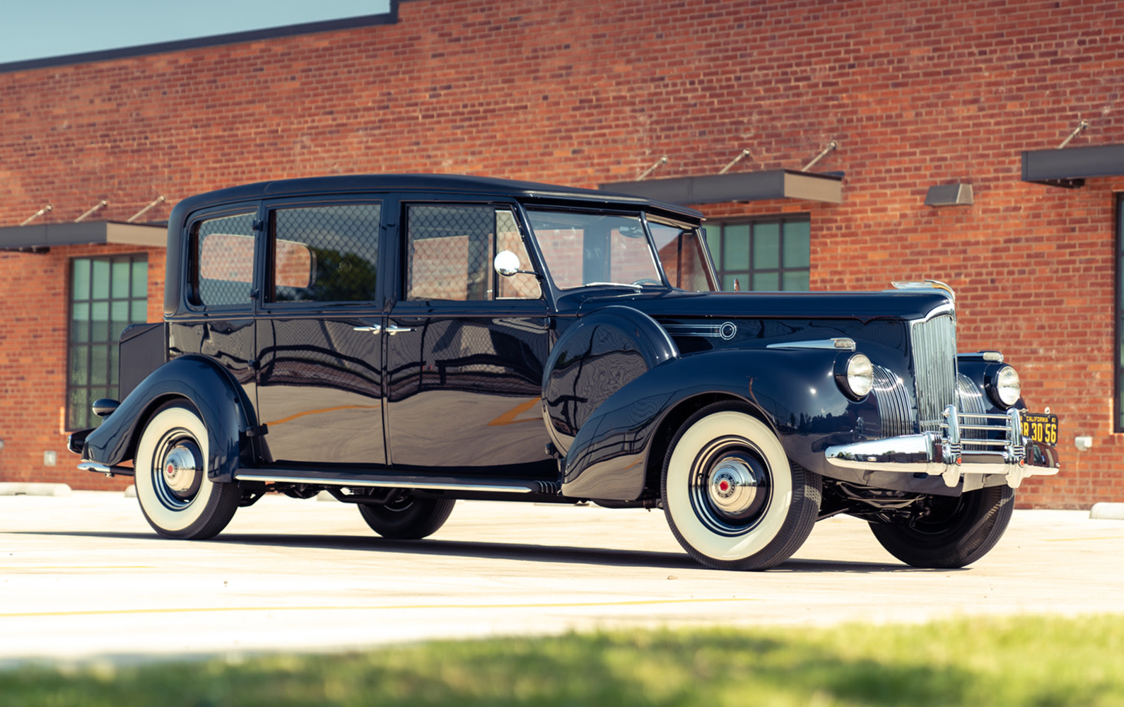 1941 Packard Model 1905 Super-8 160 Limousine (1)