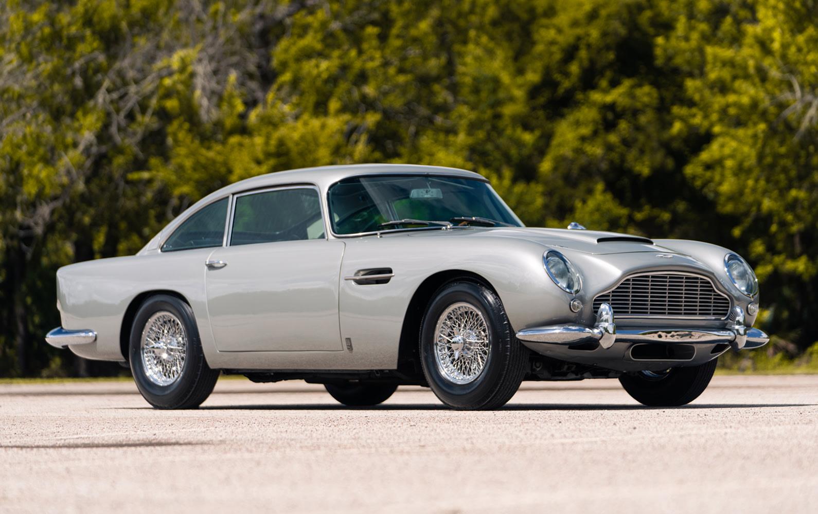 1965 Aston Martin DB5 (2)