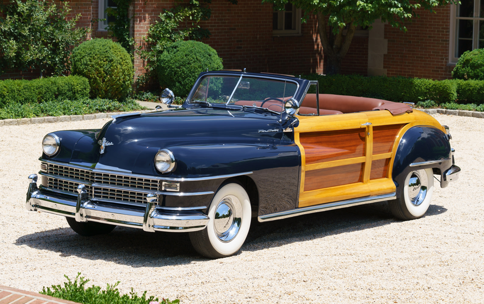 1948 Chrysler Town and Country Convertible (1)