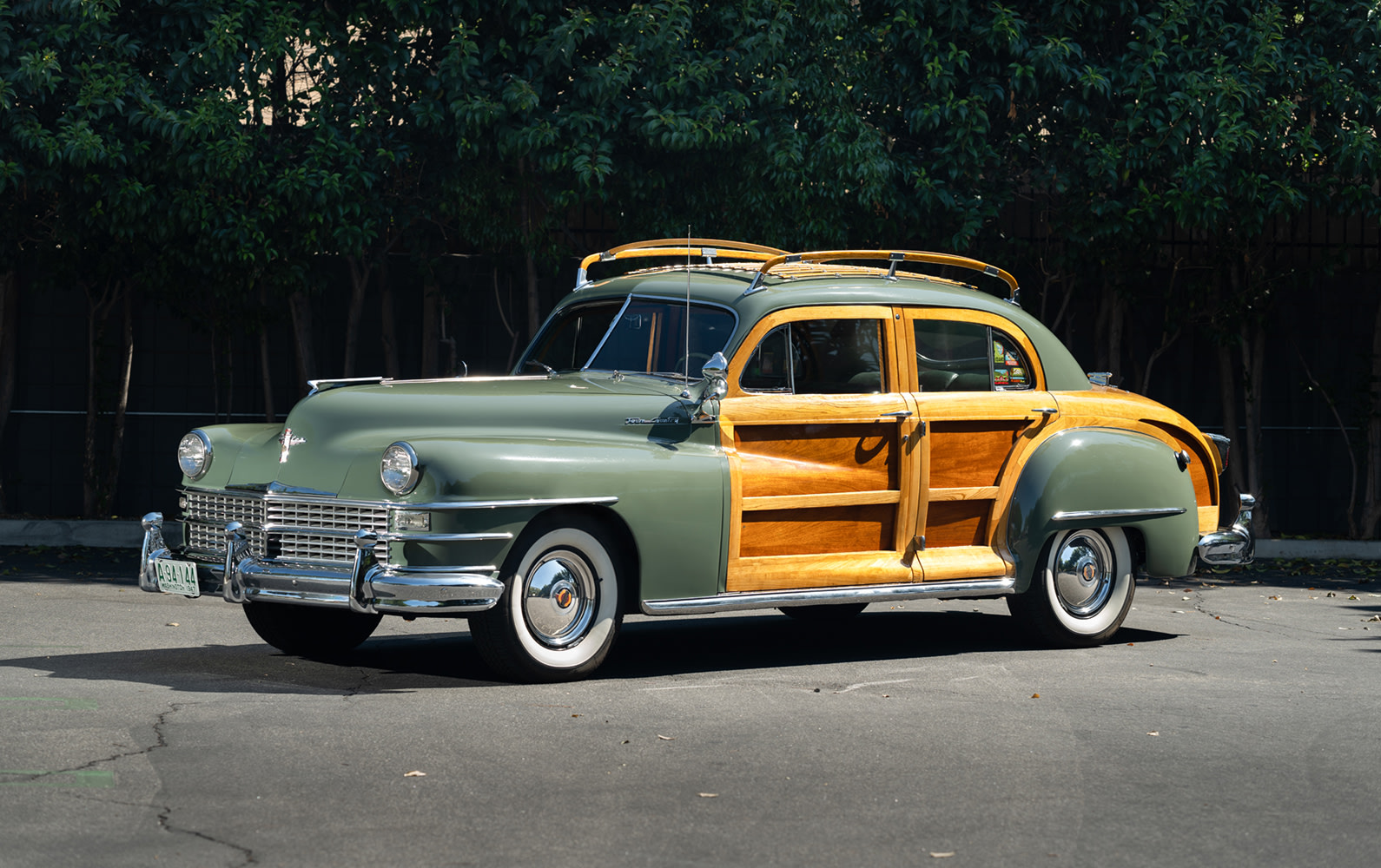 Prod/Portal/1948 Chrysler Town and Country Sedan/1948-Chrysler-Town-and-Country-Sedan-47