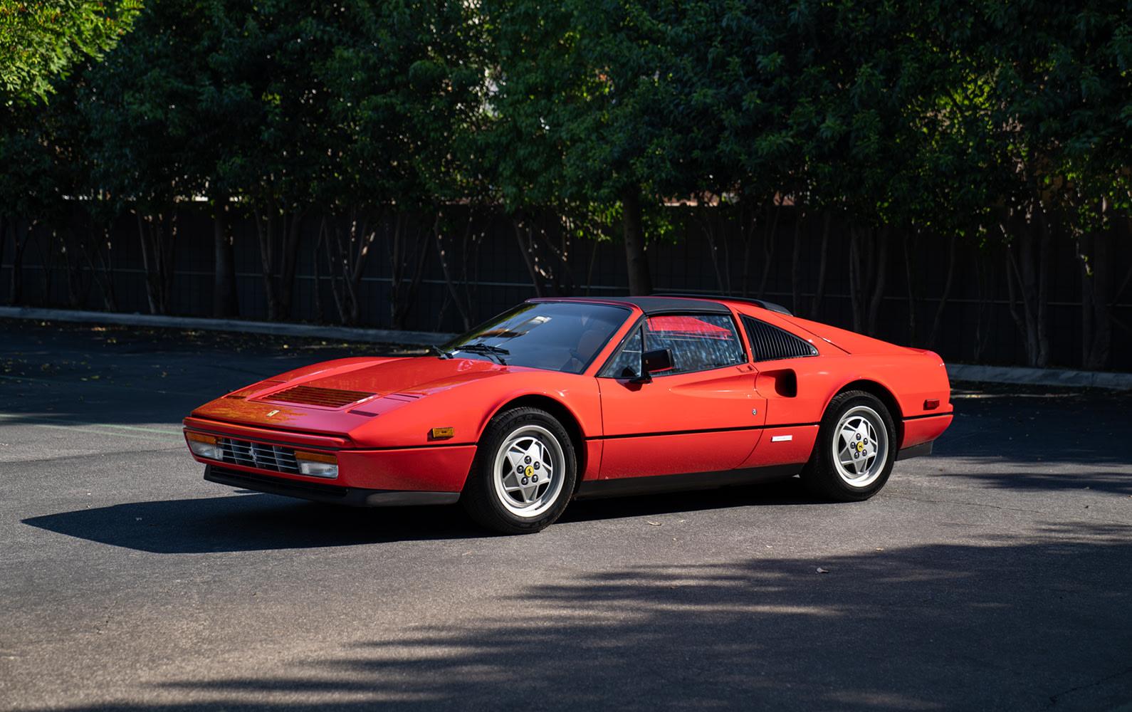 Prod/Portal/1989 Ferrari 328 GTS/1989-Ferrari-328-GTS-2