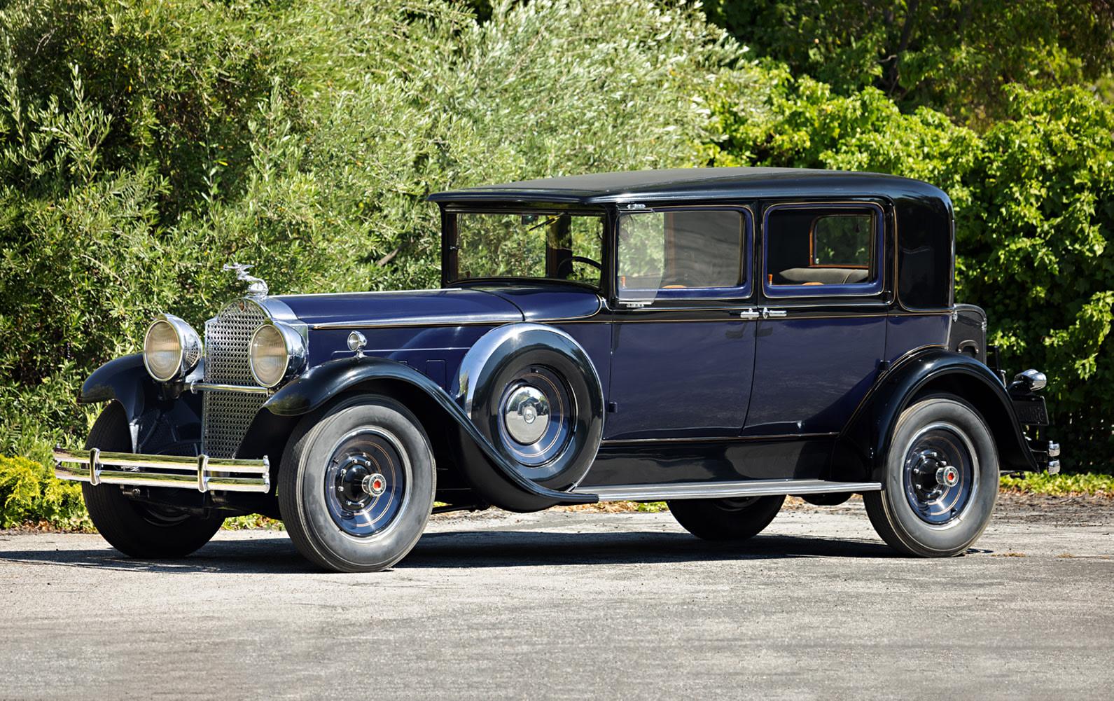 1930 Packard Custom Eight 740 Club Sedan
