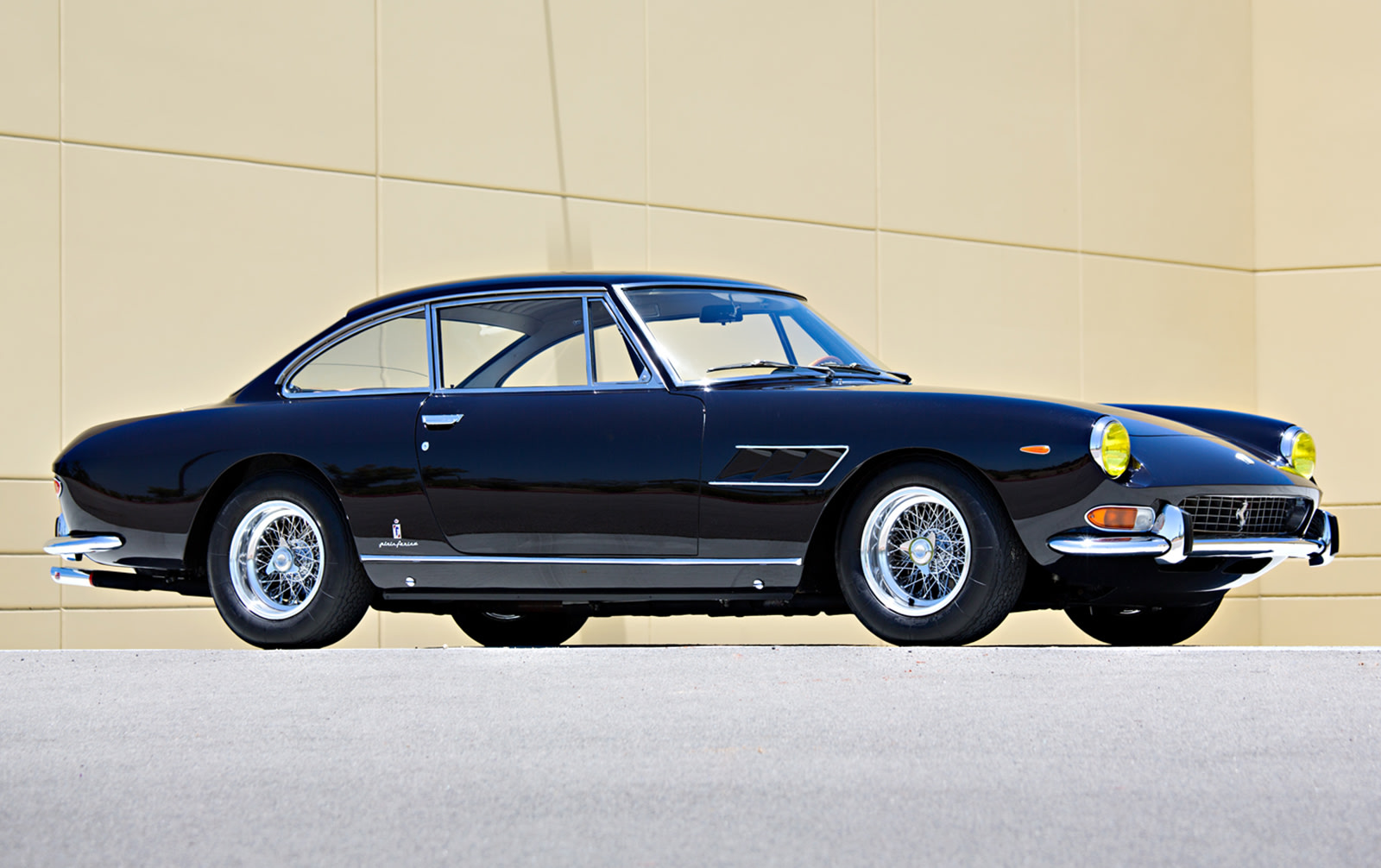 1965 Ferrari 330 GT 2+2 Series II-2