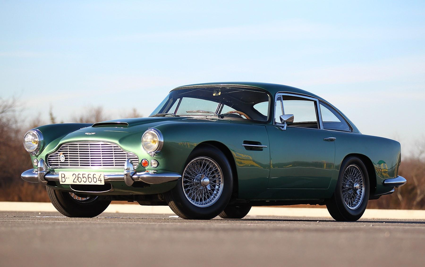 1961 Aston Martin DB4 Series IV-3