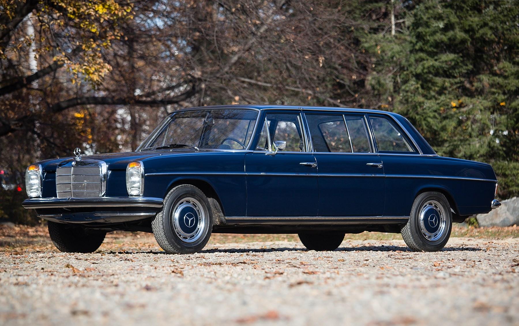 1971 Mercedes-Benz 220 D8L Limousine