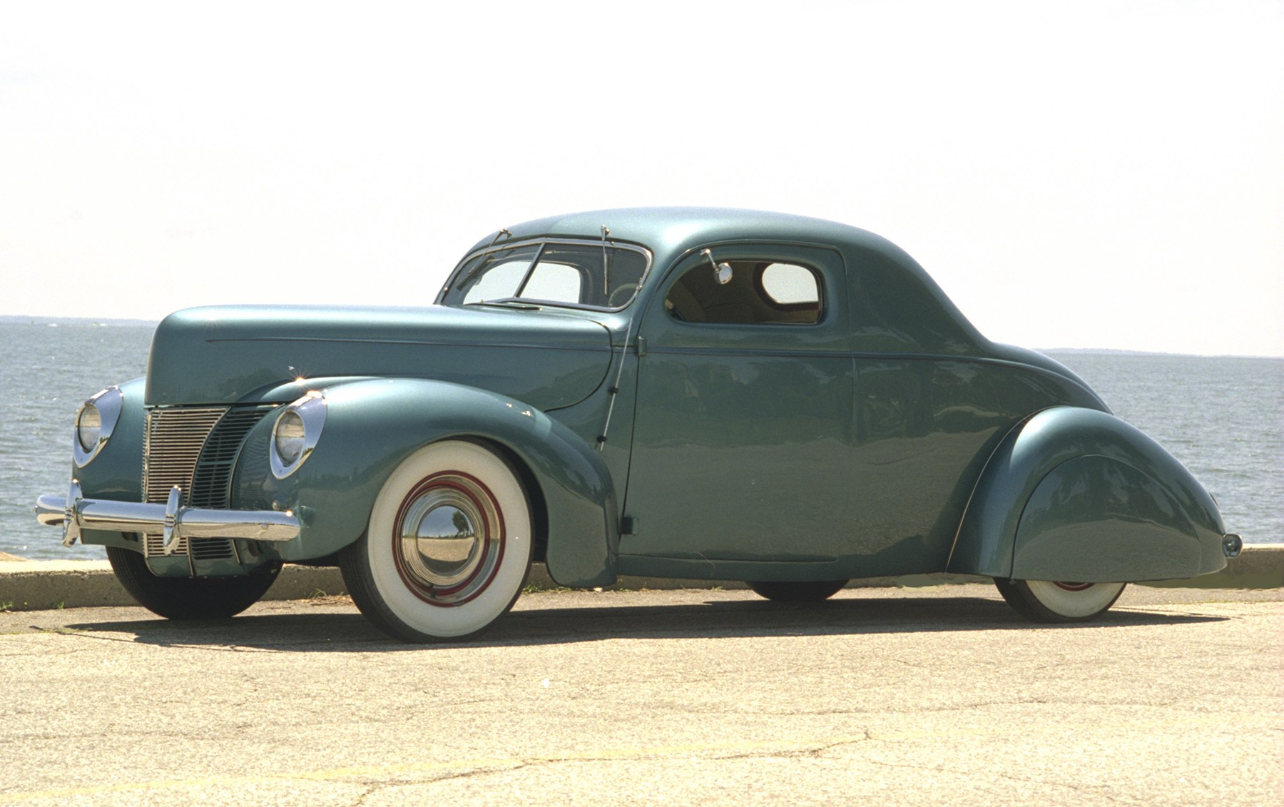 1937 Ford Custom Coupe-2