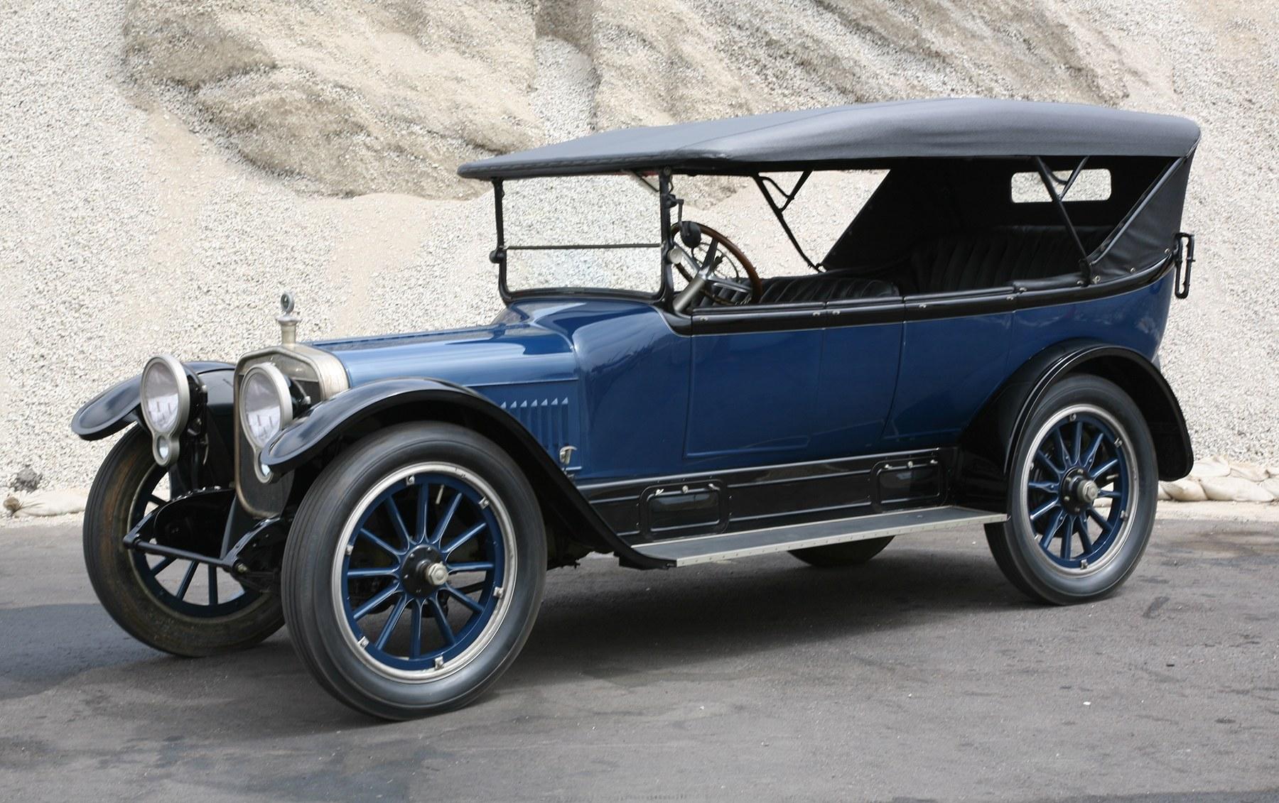 1916 Winton Model 33 Touring Car