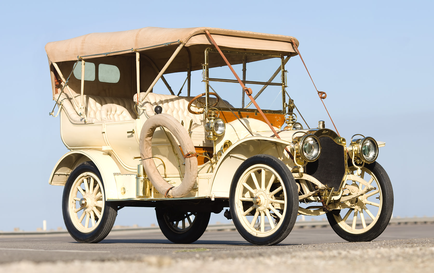1907 Thomas Flyer Model 36 60 HP Seven-Passenger Touring Car