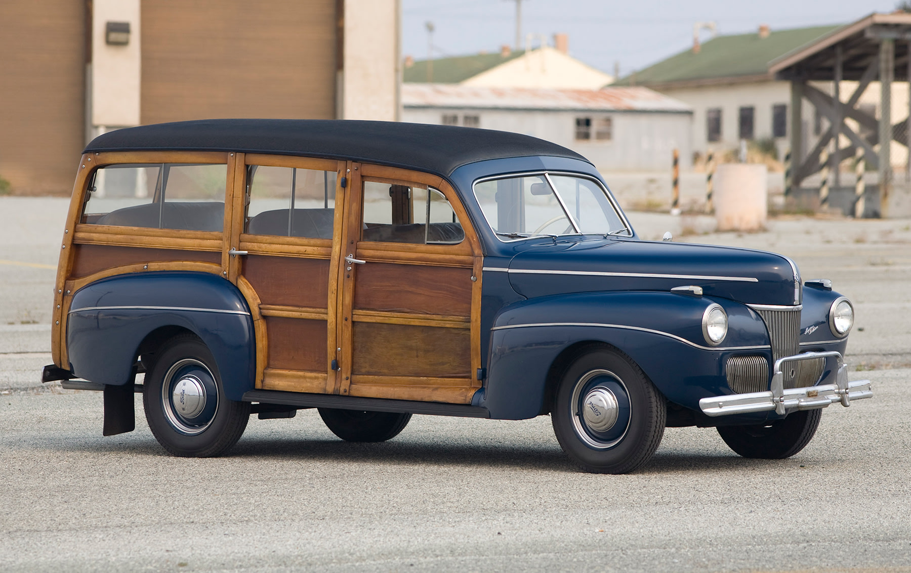 1941 Ford DeLuxe Woodie Wagon