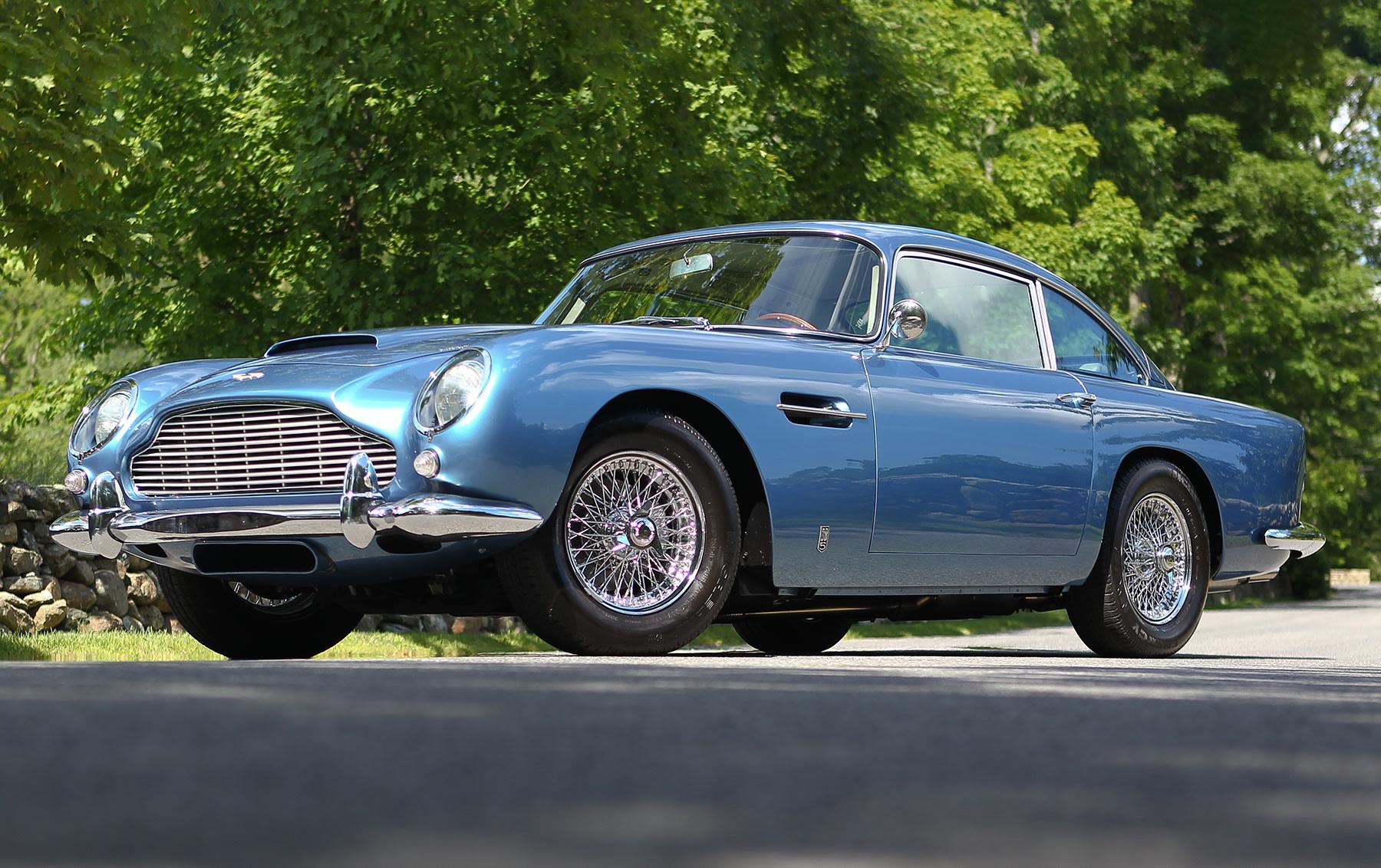 1964 Aston Martin DB5 (1)