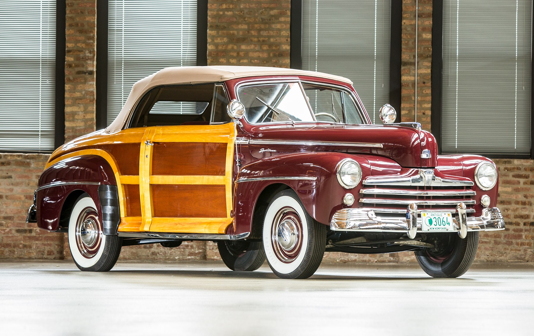 1947 Ford Sportsman Super Deluxe-2