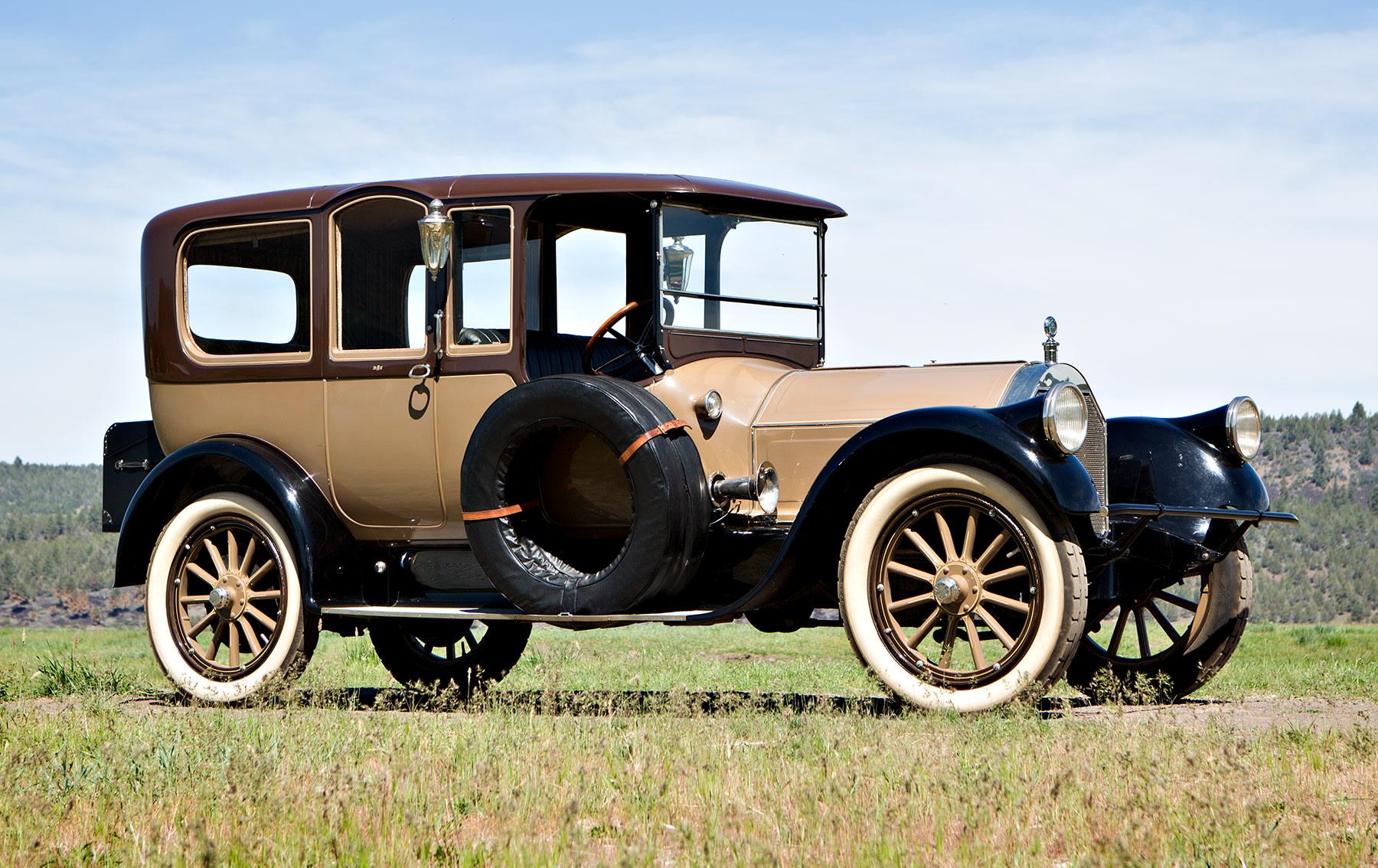 1915 Pierce-Arrow Model 48 Seven-Passenger Suburban