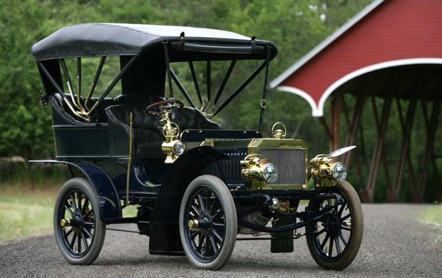 1904 George N. Pierce & Co. 15 HP Arrow Motorcar