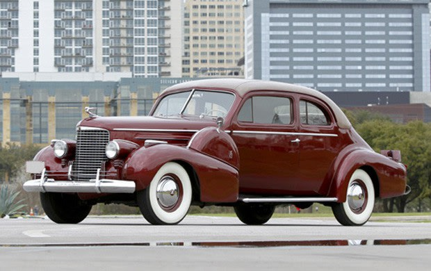 1940 Cadillac Series 90 V-16 Sport Coupe-2