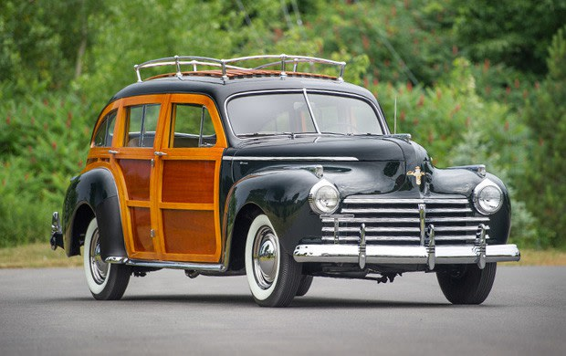 Prod/Portal/1941 Chrysler Town and Country Barrelback/poster_r51ygb