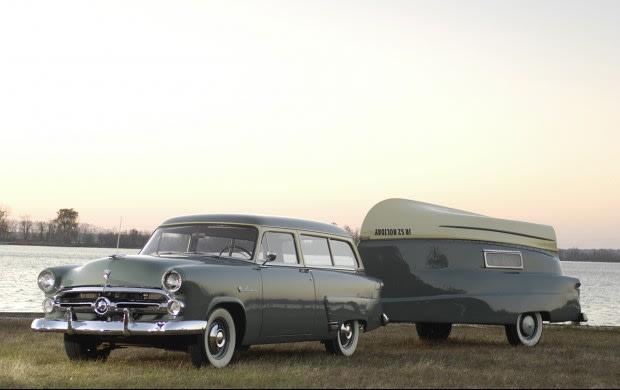 1952 Ford Ranch Wagon With Kom-Pak Trailer