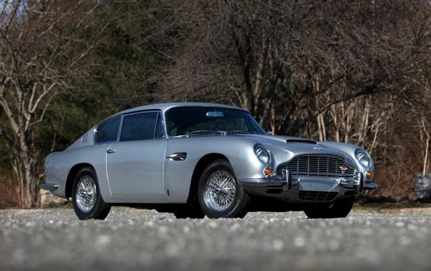 1967 Aston Martin DB6 (1)