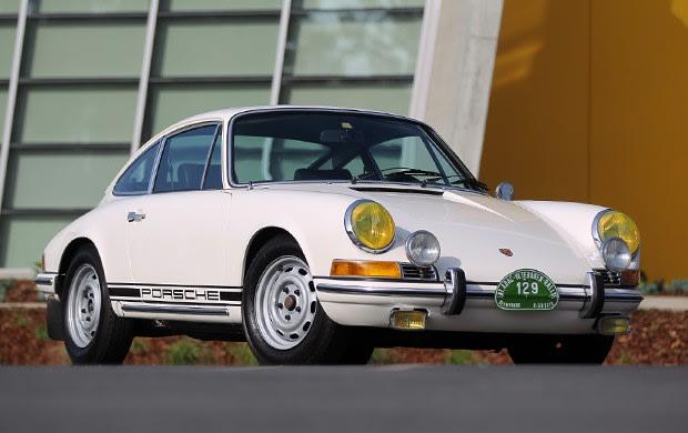 Prod/Portal/1969 Porsche 911 2.0 T(1)/poster_z7bpqa