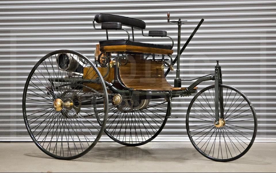 1886 Benz Patent-Motorwagen Replica-2
