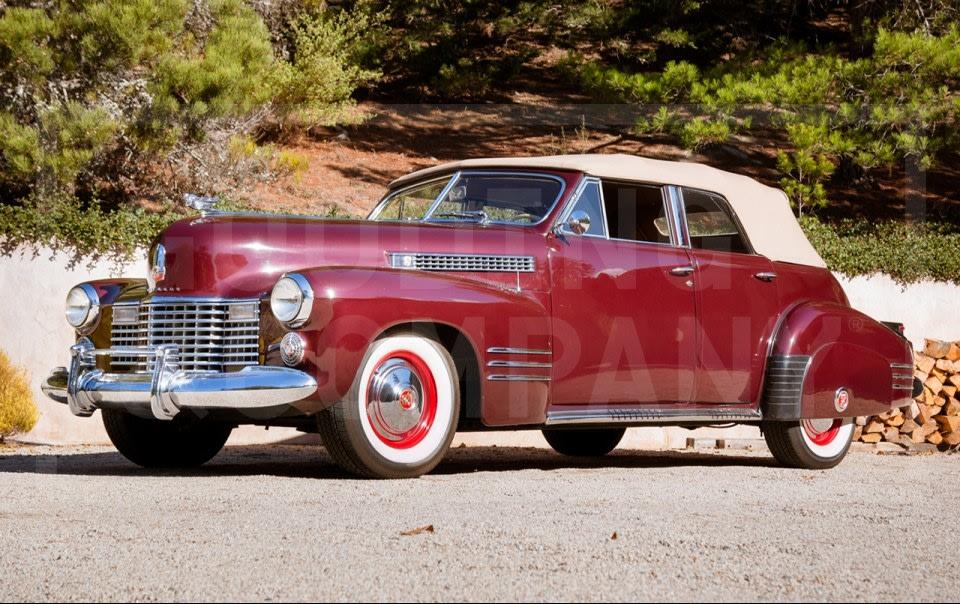 1941 Cadillac Series 62 Convertible Sedan(2)